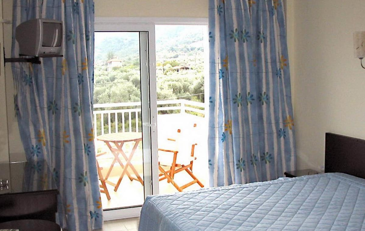 Letovanje_Grcka_Hoteli_Tasos_Maranton_beach_hotel_Barcino_Tours-11.jpeg