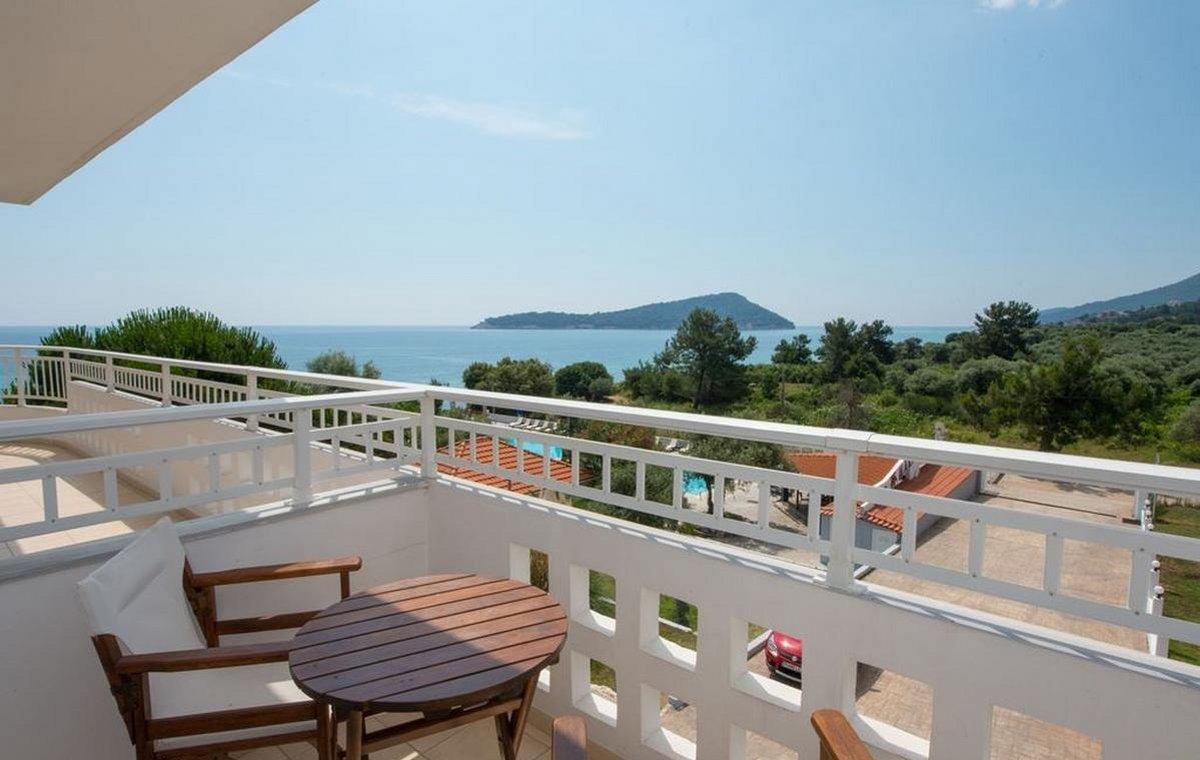 Letovanje_Grcka_Hoteli_Tasos_Maranton_beach_hotel_Barcino_Tours-3-2.jpeg