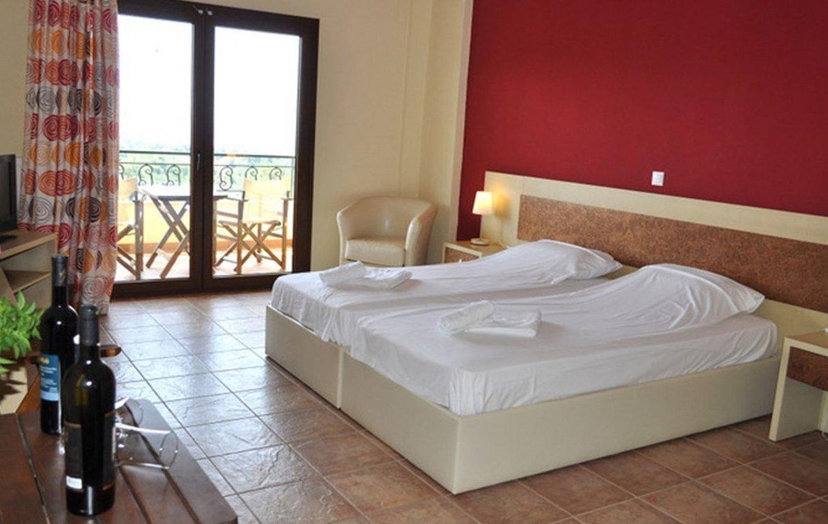 Letovanje_Grcka_Hoteli_Tasos_Moonbeam_hotel_Barcino_Tours-1-2.jpeg