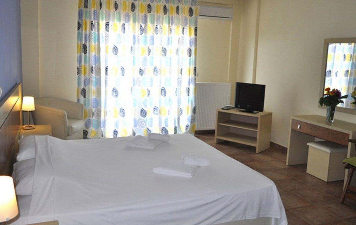 Letovanje_Grcka_Hoteli_Tasos_Moonbeam_hotel_Barcino_Tours-3-2.jpeg