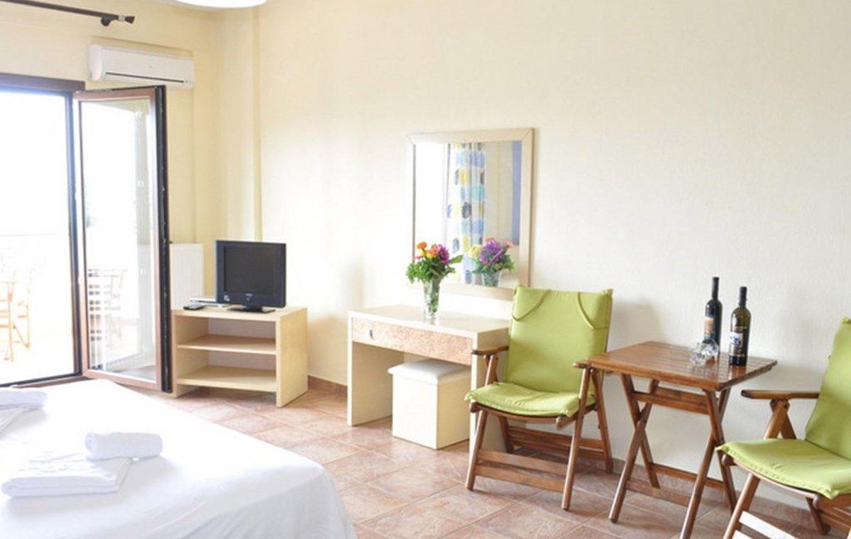 Letovanje_Grcka_Hoteli_Tasos_Moonbeam_hotel_Barcino_Tours-5-1.jpeg