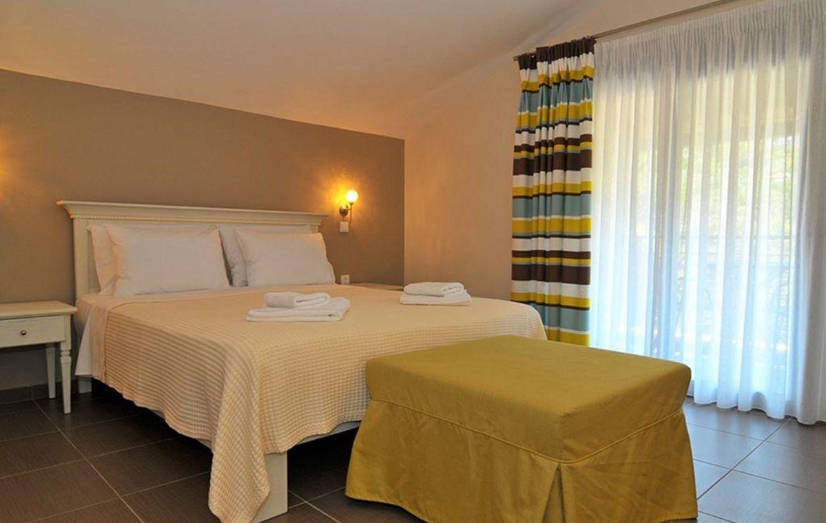 Letovanje_Grcka_Hoteli_Tasos_Ntinas_Filoxenia_hotel_Barcino_Tours-1-2.jpeg