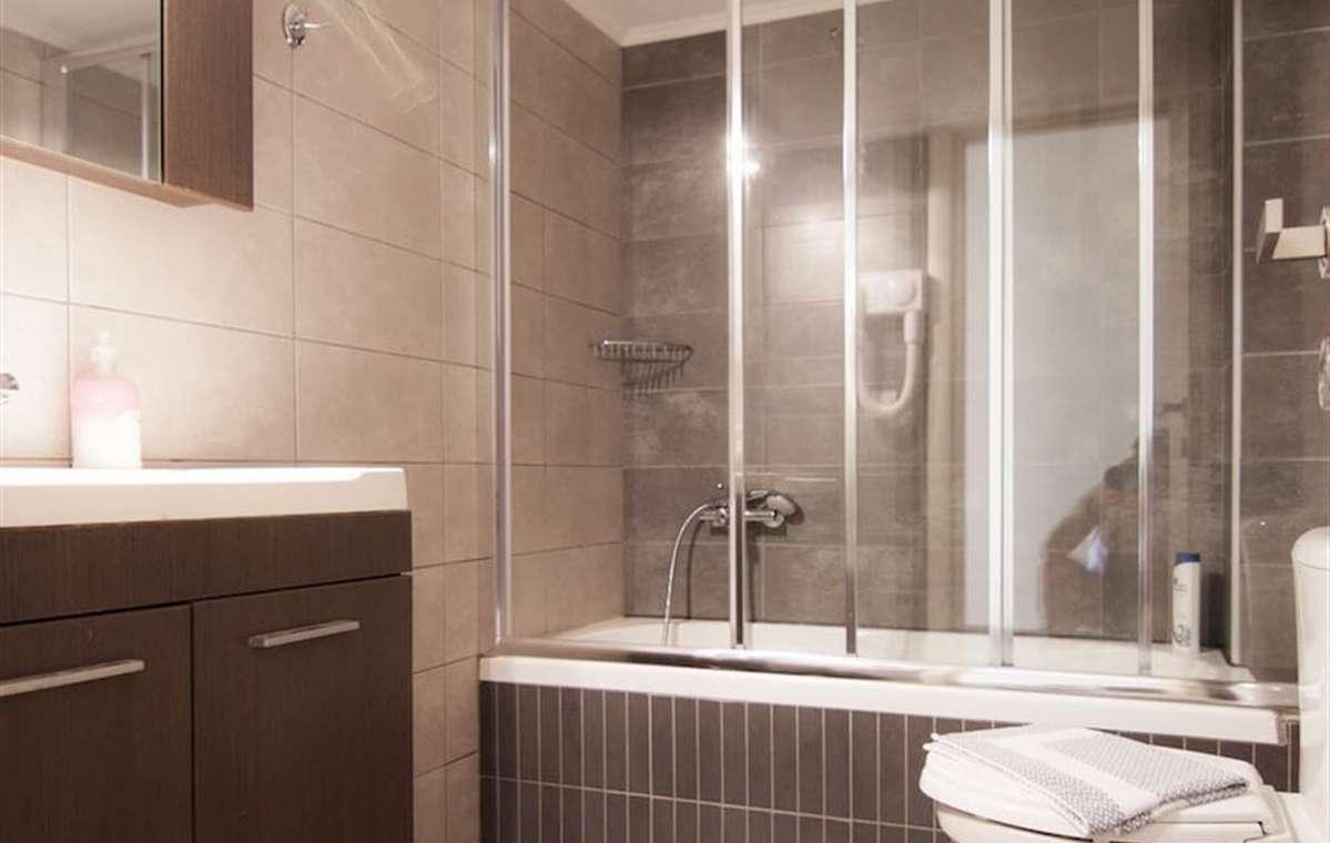 Letovanje_Grcka_Hoteli_Tasos_Ntinas_Filoxenia_hotel_Barcino_Tours-2-2.jpeg