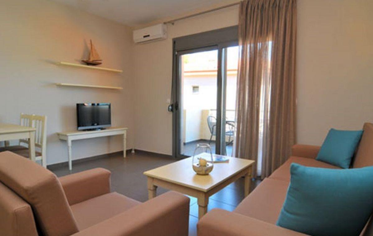 Letovanje_Grcka_Hoteli_Tasos_Ntinas_Filoxenia_hotel_Barcino_Tours-3-1.jpeg