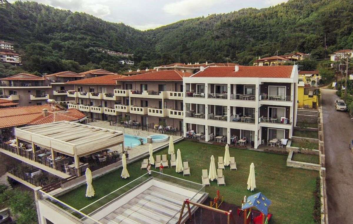 Letovanje_Grcka_Hoteli_Tasos_Ntinas_Filoxenia_hotel_Barcino_Tours-3.jpeg