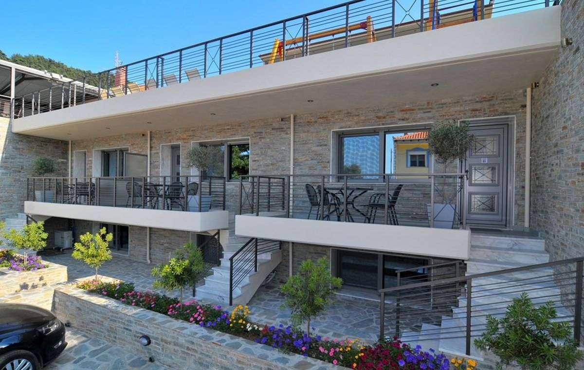 Letovanje_Grcka_Hoteli_Tasos_Ntinas_Filoxenia_hotel_Barcino_Tours-4.jpg