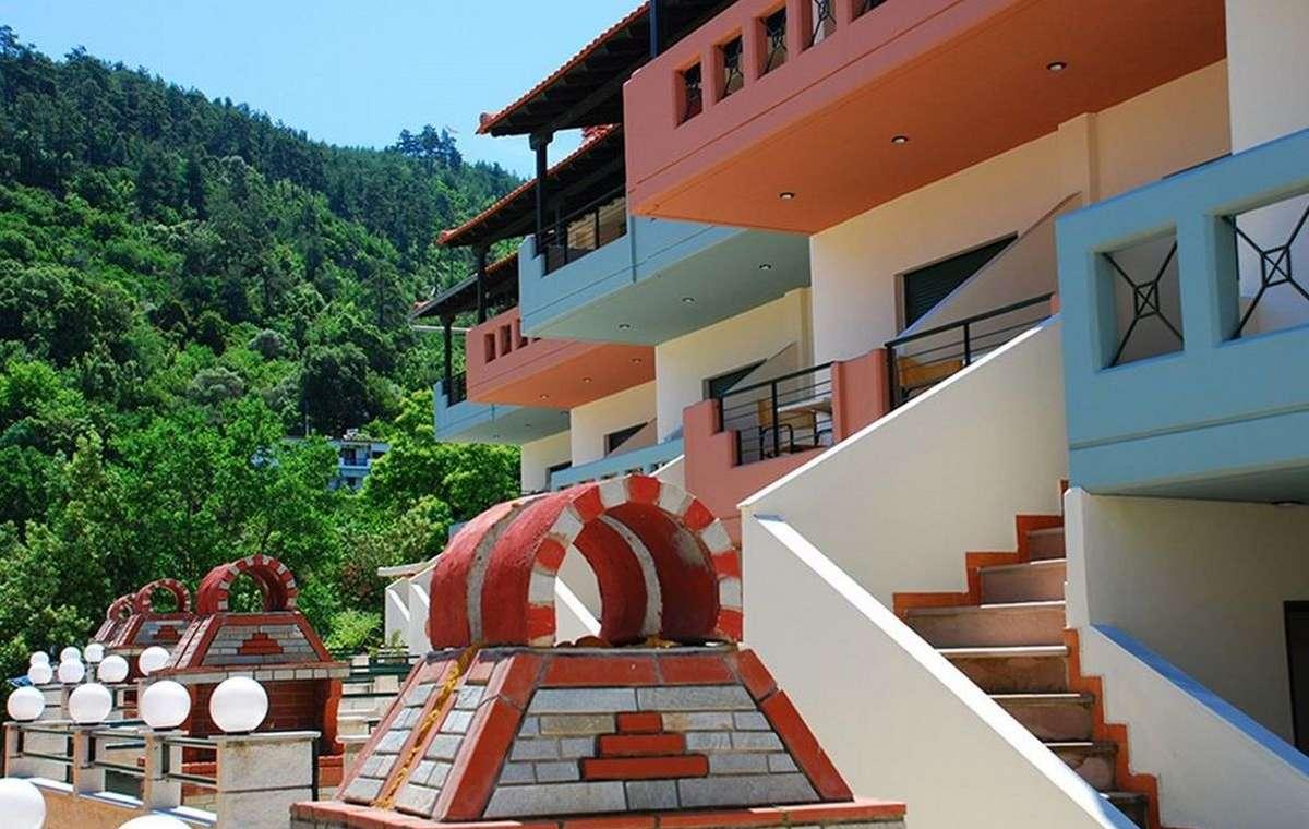 Letovanje_Grcka_Hoteli_Tasos_Ntinas_Filoxenia_hotel_Barcino_Tours-5.jpeg