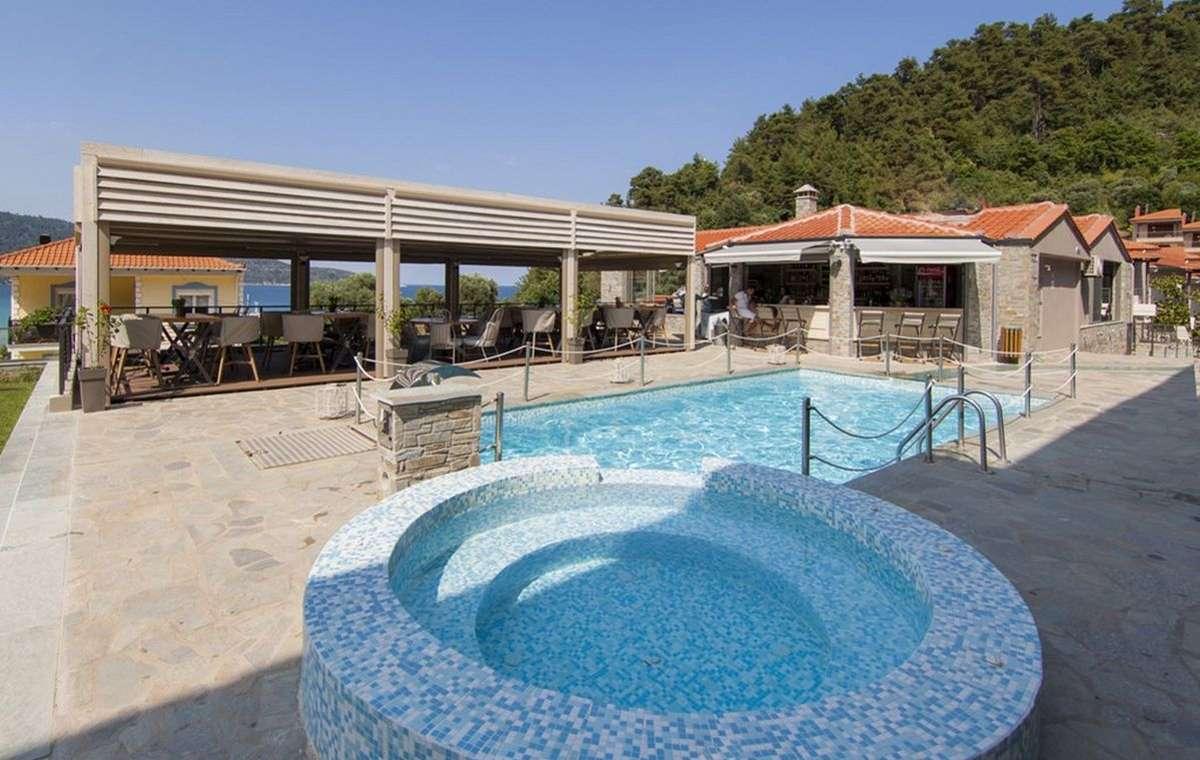 Letovanje_Grcka_Hoteli_Tasos_Ntinas_Filoxenia_hotel_Barcino_Tours-5.jpg