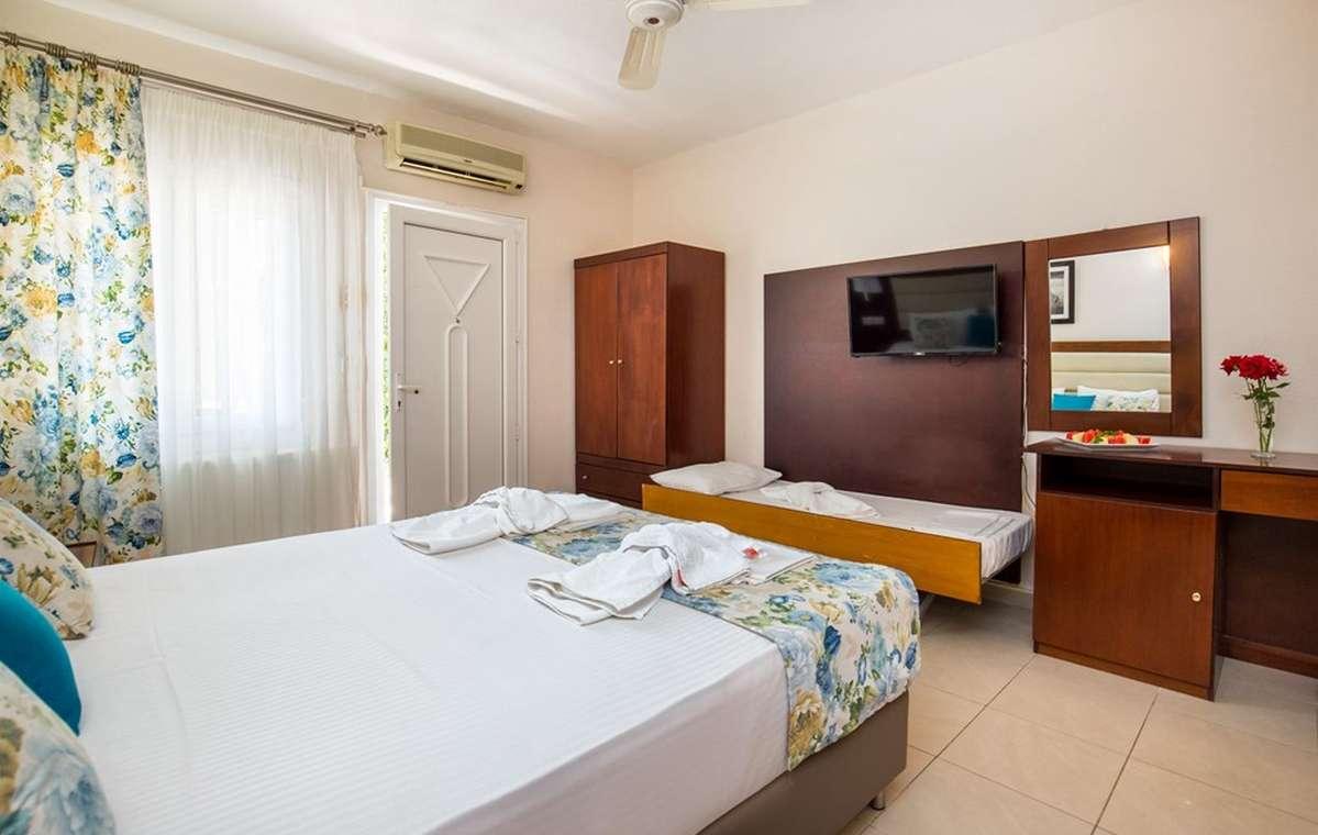 Letovanje_Grcka_Hoteli_Tasos_Potos_hotel_Barcino_Tours-1-2.jpg