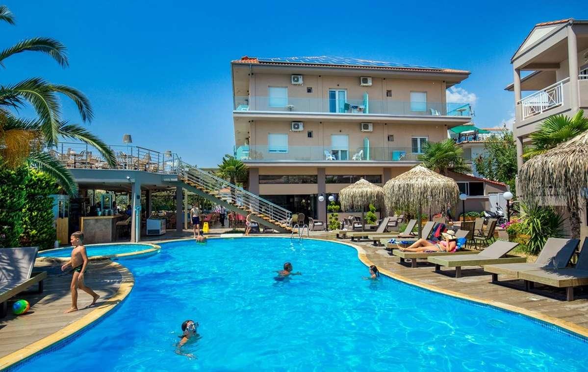 Letovanje_Grcka_Hoteli_Tasos_Potos_hotel_Barcino_Tours-1.jpg