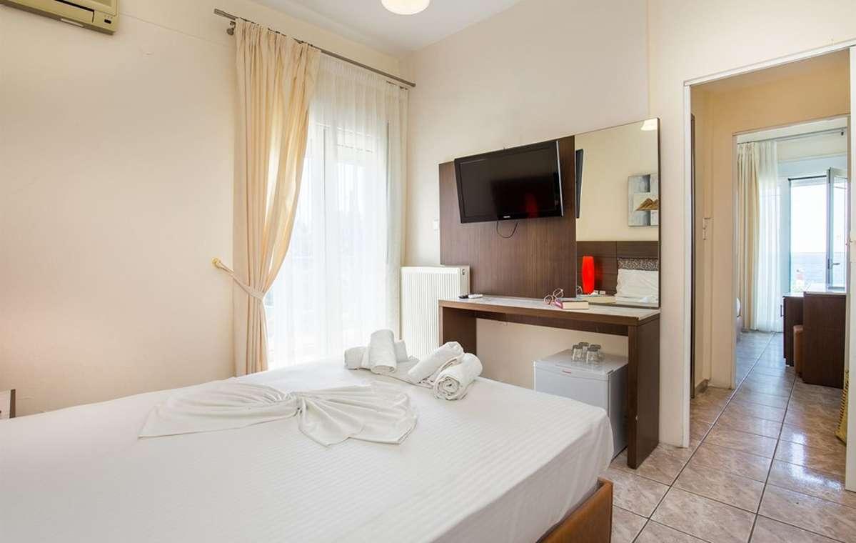 Letovanje_Grcka_Hoteli_Tasos_Potos_hotel_Barcino_Tours-3-2.jpg