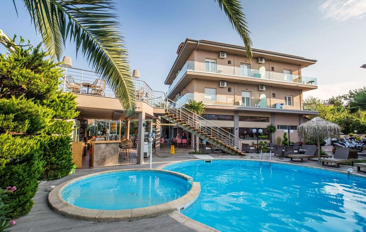 Letovanje_Grcka_Hoteli_Tasos_Potos_hotel_Barcino_Tours-4.jpg