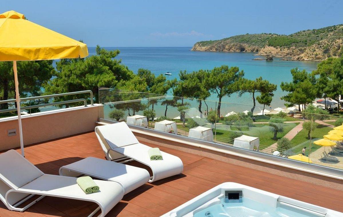 Letovanje_Grcka_Hoteli_Tasos_Royal_paradise_Beach_resort_hotel_Barcino_Tours-1-2.jpeg