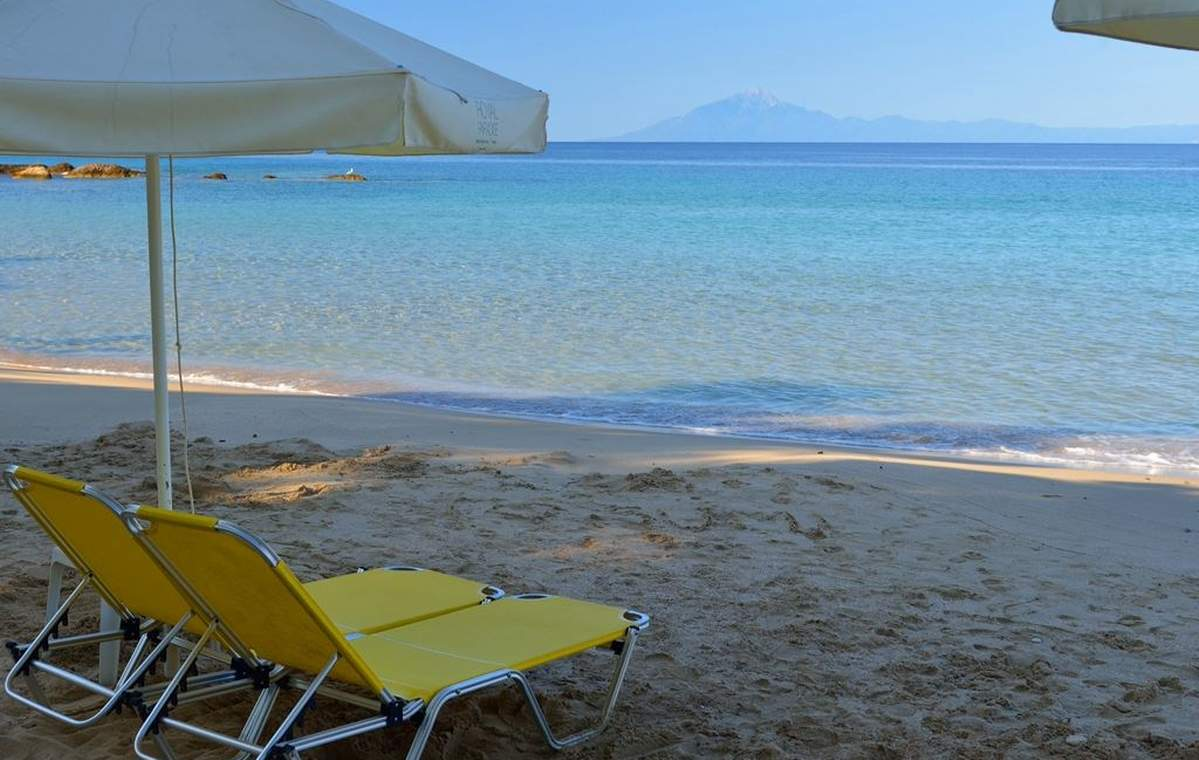 Letovanje_Grcka_Hoteli_Tasos_Royal_paradise_Beach_resort_hotel_Barcino_Tours-1.jpeg
