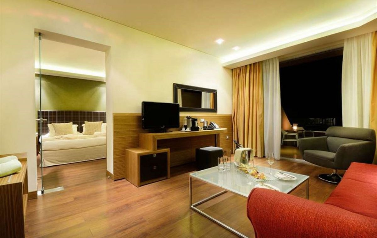 Letovanje_Grcka_Hoteli_Tasos_Royal_paradise_Beach_resort_hotel_Barcino_Tours-11-2.jpeg