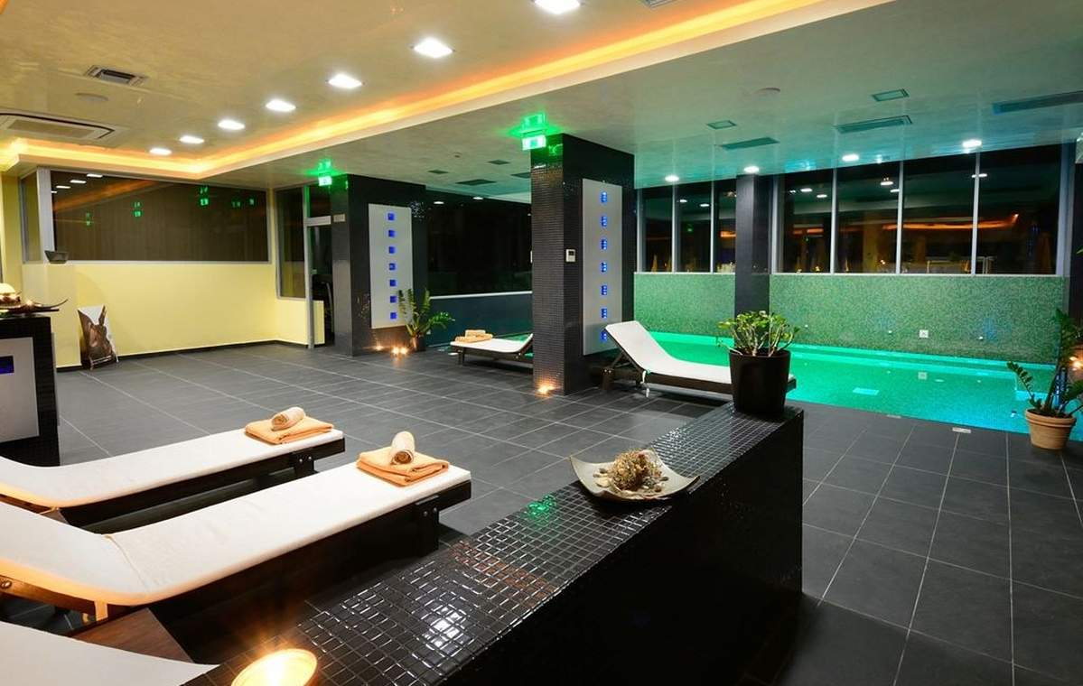 Letovanje_Grcka_Hoteli_Tasos_Royal_paradise_Beach_resort_hotel_Barcino_Tours-7-1.jpeg