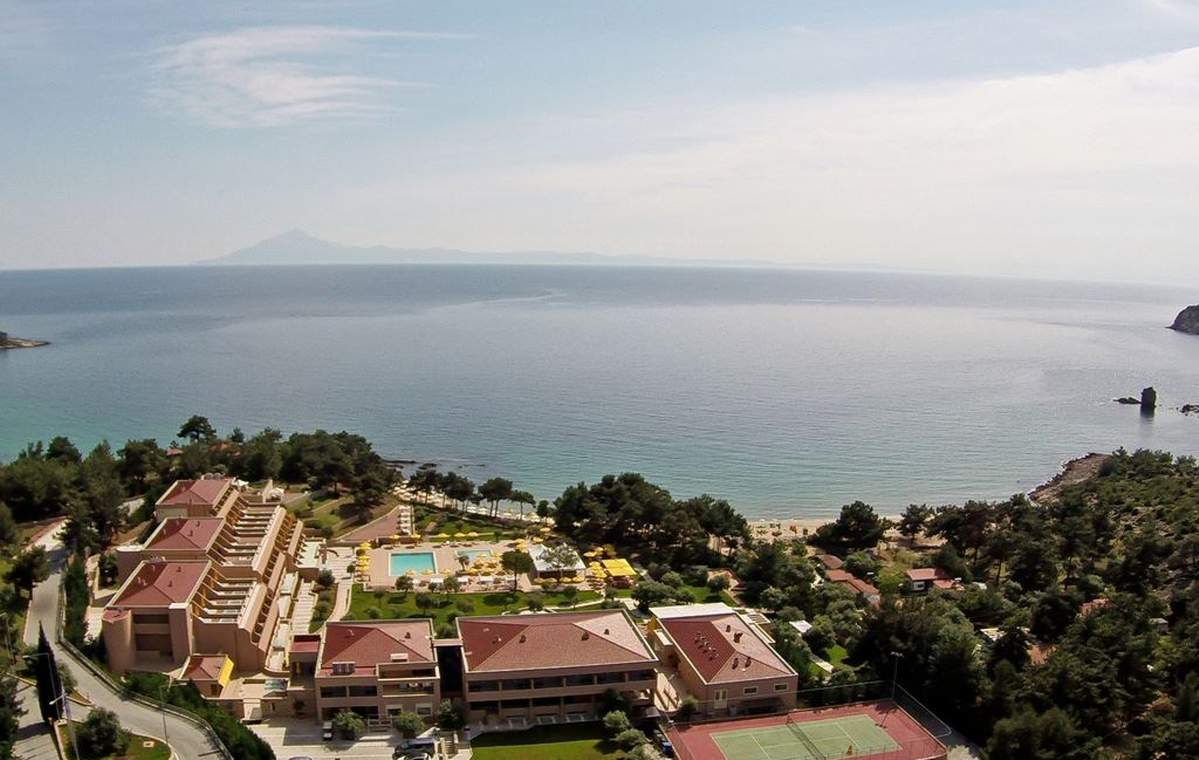 Letovanje_Grcka_Hoteli_Tasos_Royal_paradise_Beach_resort_hotel_Barcino_Tours-7.jpeg