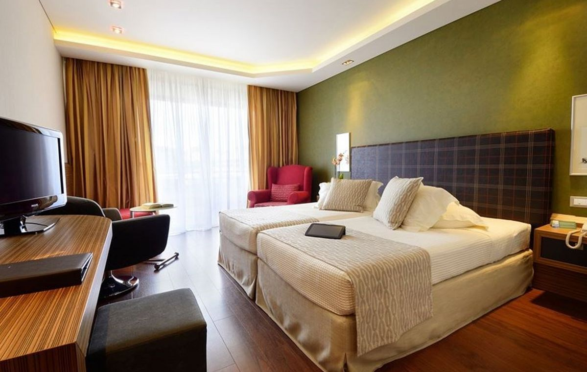 Letovanje_Grcka_Hoteli_Tasos_Royal_paradise_Beach_resort_hotel_Barcino_Tours-8-2.jpeg