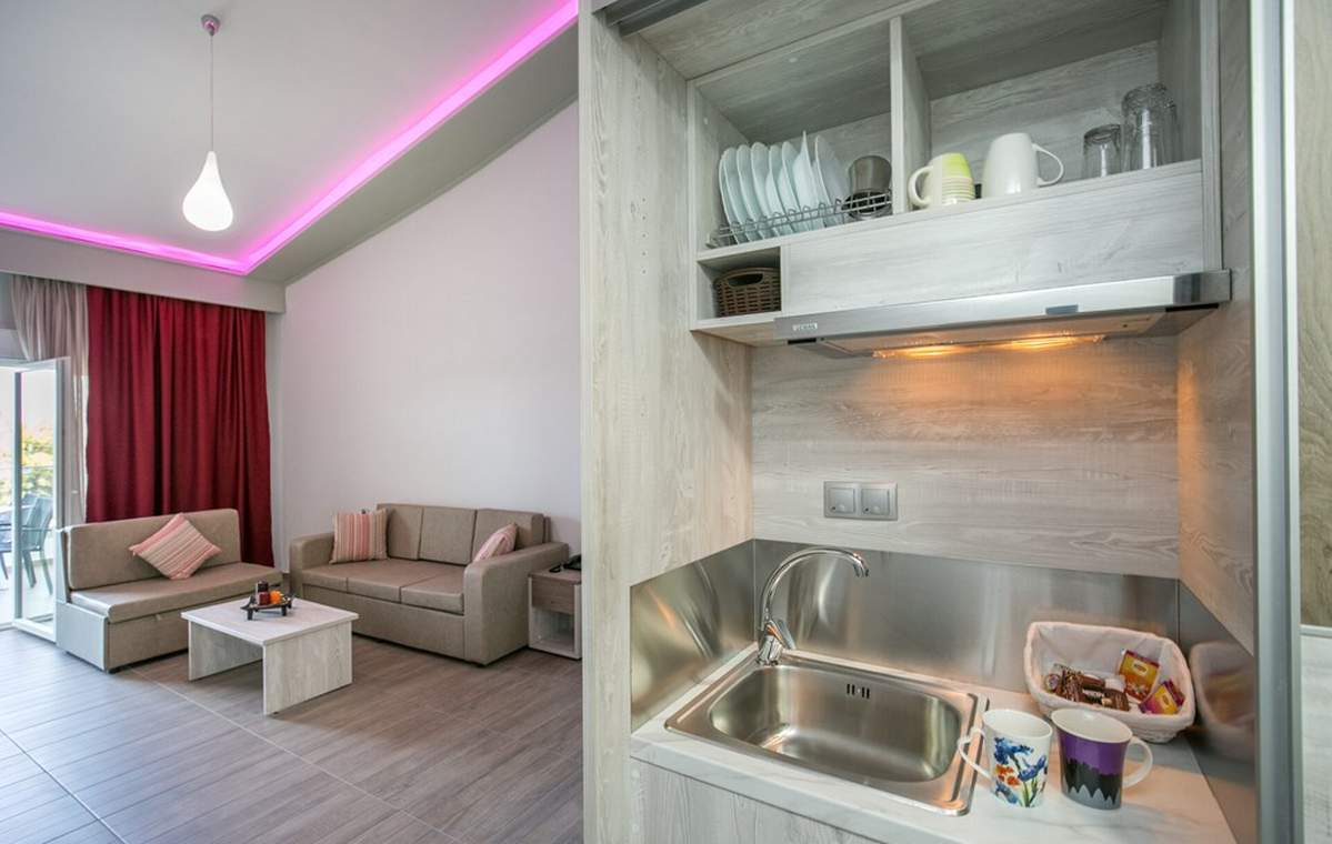 Letovanje_Grcka_Hoteli_Tasos_Sirines_hotel_Barcino_Tours-16.jpg