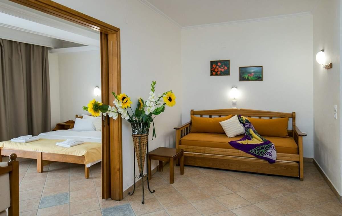 Letovanje_Grcka_Hoteli_Tasos_Sirines_hotel_Barcino_Tours-20.jpg