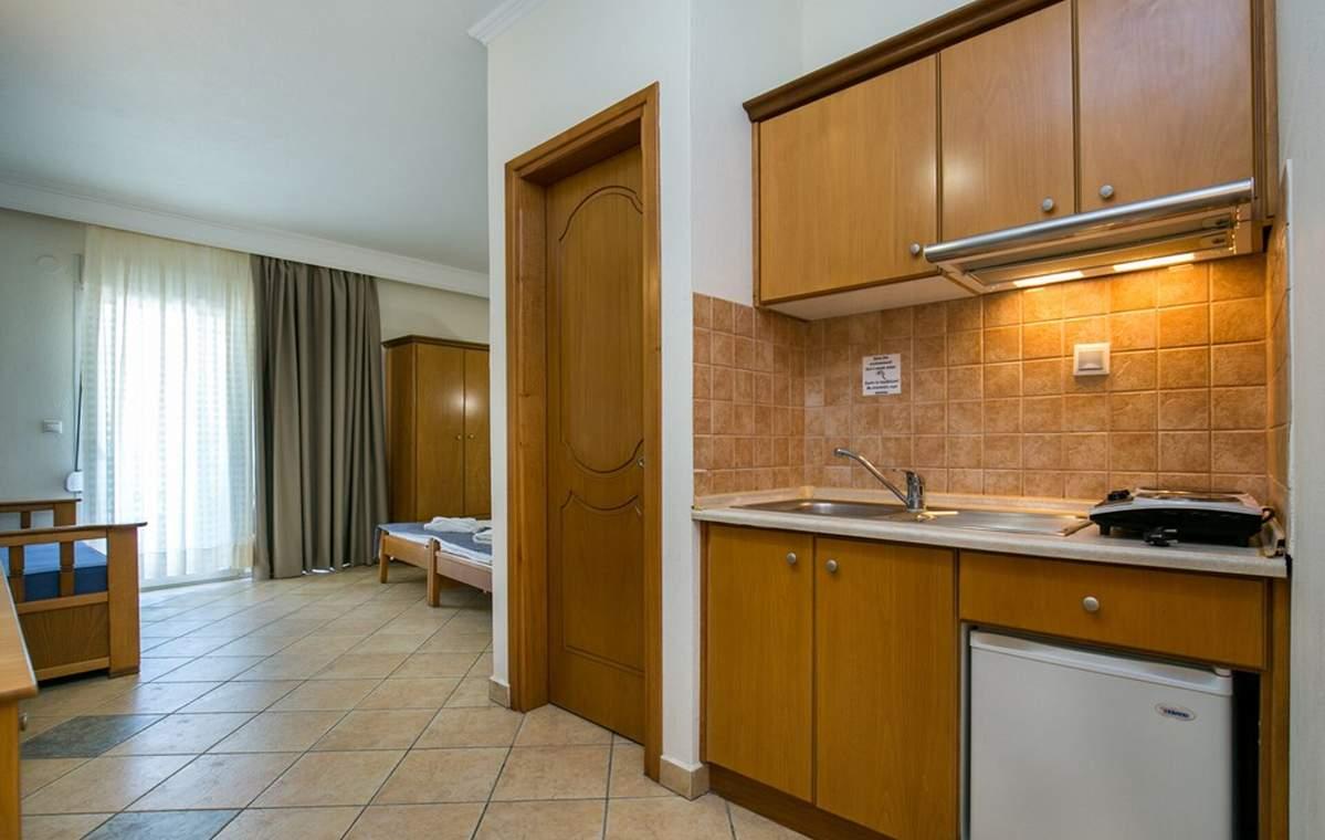 Letovanje_Grcka_Hoteli_Tasos_Sirines_hotel_Barcino_Tours-6-1.jpg