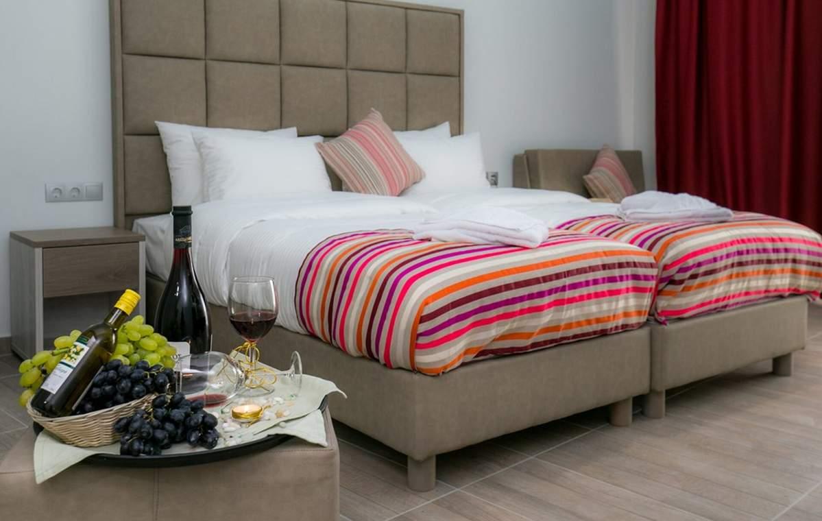 Letovanje_Grcka_Hoteli_Tasos_Sirines_hotel_Barcino_Tours-8-1.jpg