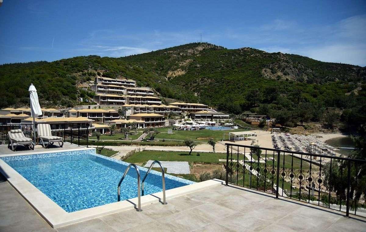 Letovanje_Grcka_Hoteli_Tasos_Thassos_grand_resort_hotel_Barcino_Tours-1.jpg