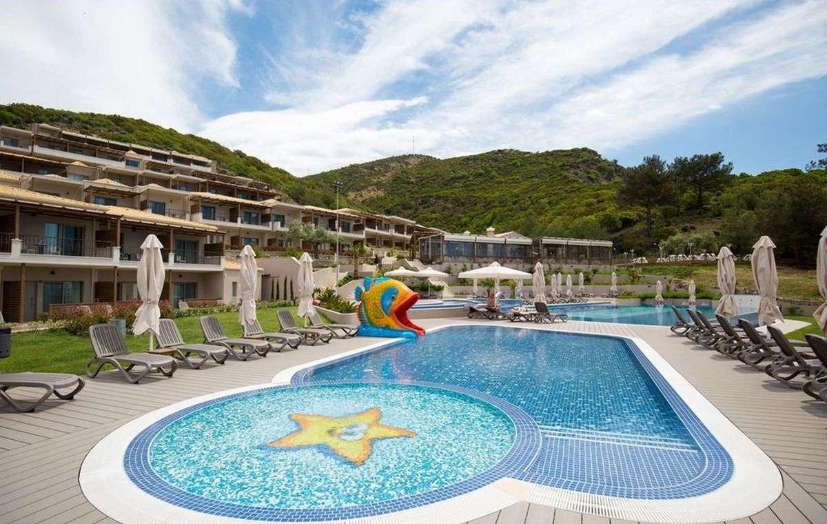 Letovanje_Grcka_Hoteli_Tasos_Thassos_grand_resort_hotel_Barcino_Tours-20.jpeg