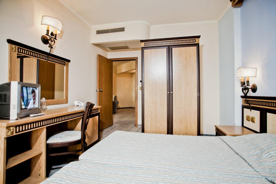 Letovanje_Hoteli_Bugarska_Elenite_Atrium_Barcino_Tours1.jpg