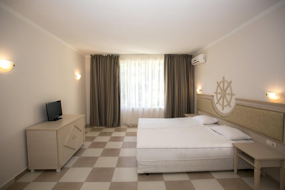 Letovanje_Hoteli_Bugarska_Elenite_Royal_Bay_Barcino_Tours1.jpg