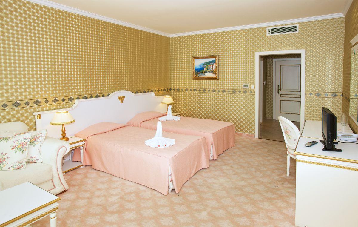 Letovanje_Hoteli_Bugarska_Suncev_Breg_Planeta_Barcino_Tours-12.jpg