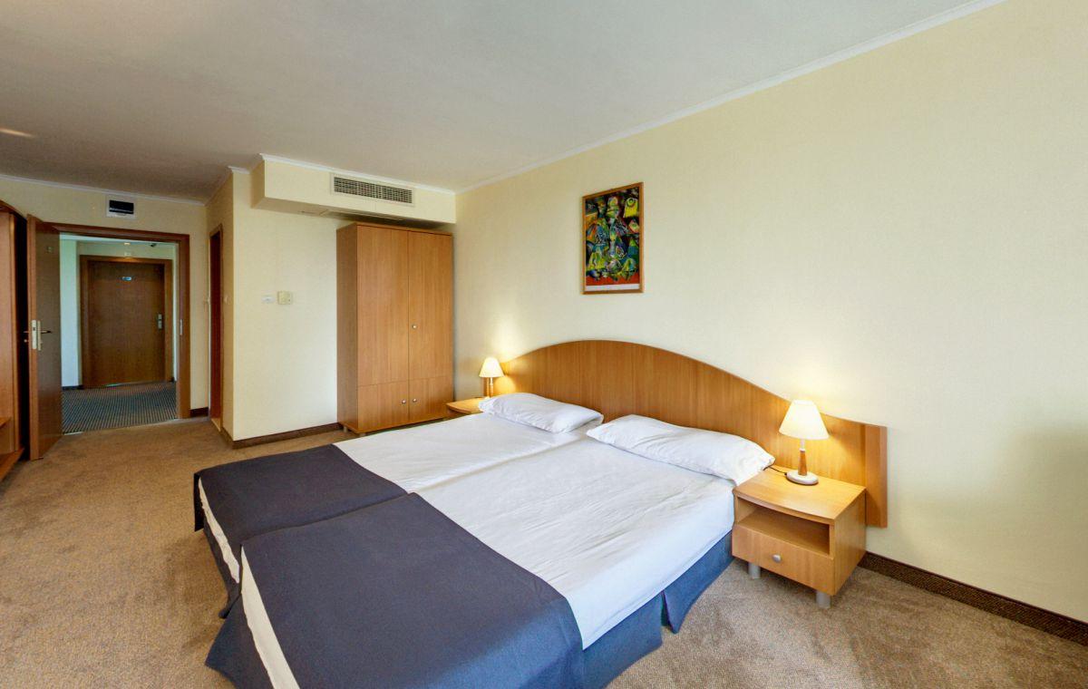 Letovanje_Hoteli_Bugarska_Suncev_Breg_Planeta_Barcino_Tours-15-1.jpg