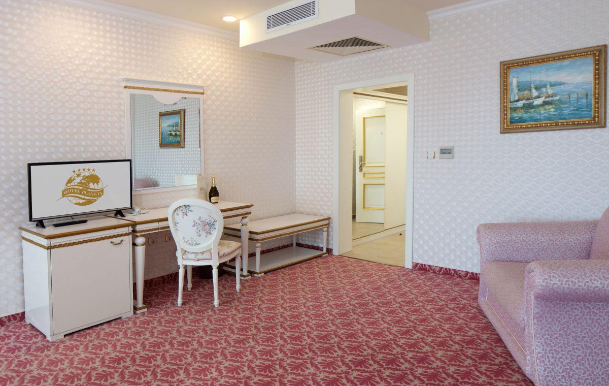 Letovanje_Hoteli_Bugarska_Suncev_Breg_Planeta_Barcino_Tours-21.jpg