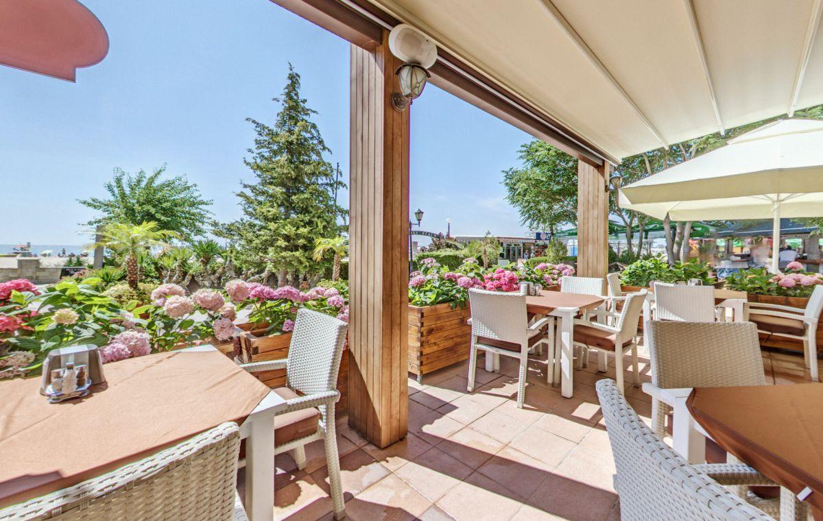 Letovanje_Hoteli_Bugarska_Suncev_Breg_Planeta_Barcino_Tours-24-1.jpg