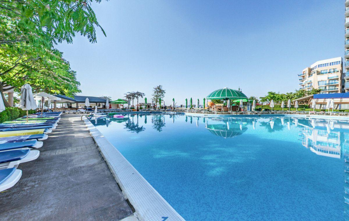 Letovanje_Hoteli_Bugarska_Suncev_Breg_Planeta_Barcino_Tours-43.jpg