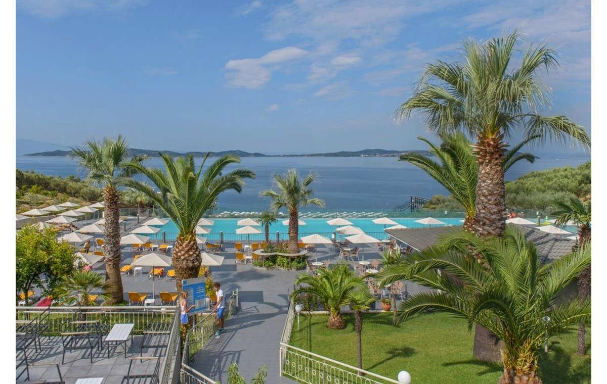 Letovanje_Hoteli_Grčka_Atos_Akrathos_Barcino_Tours-1.jpg