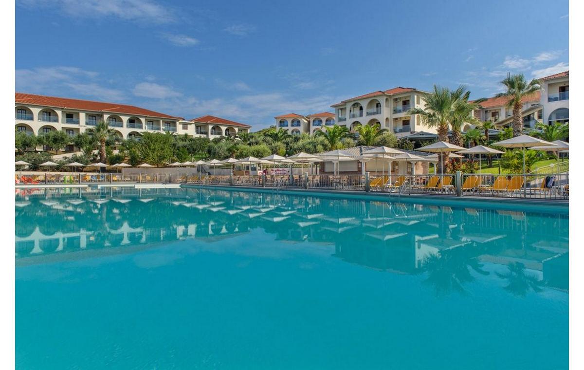 Letovanje_Hoteli_Grčka_Atos_Akrathos_Barcino_Tours-16.jpg