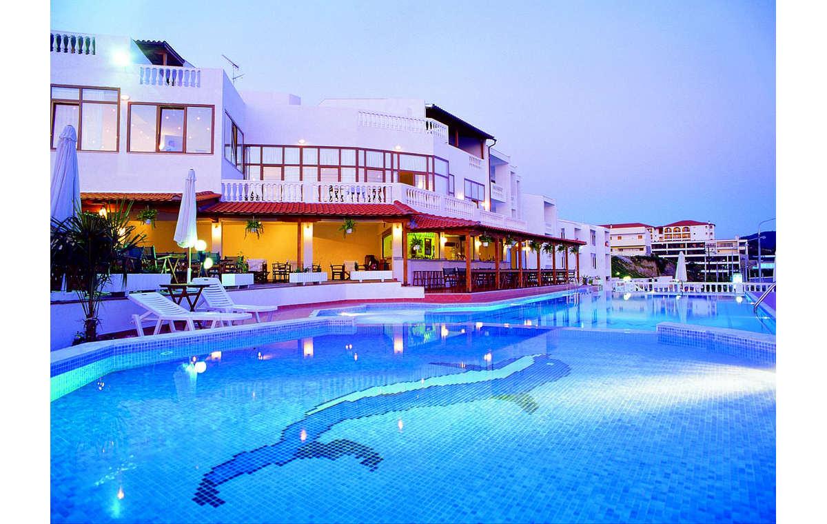 Letovanje_Hoteli_Grčka_Atos_Akti_Ouranouopoli_Barcino_Tours-3.jpg