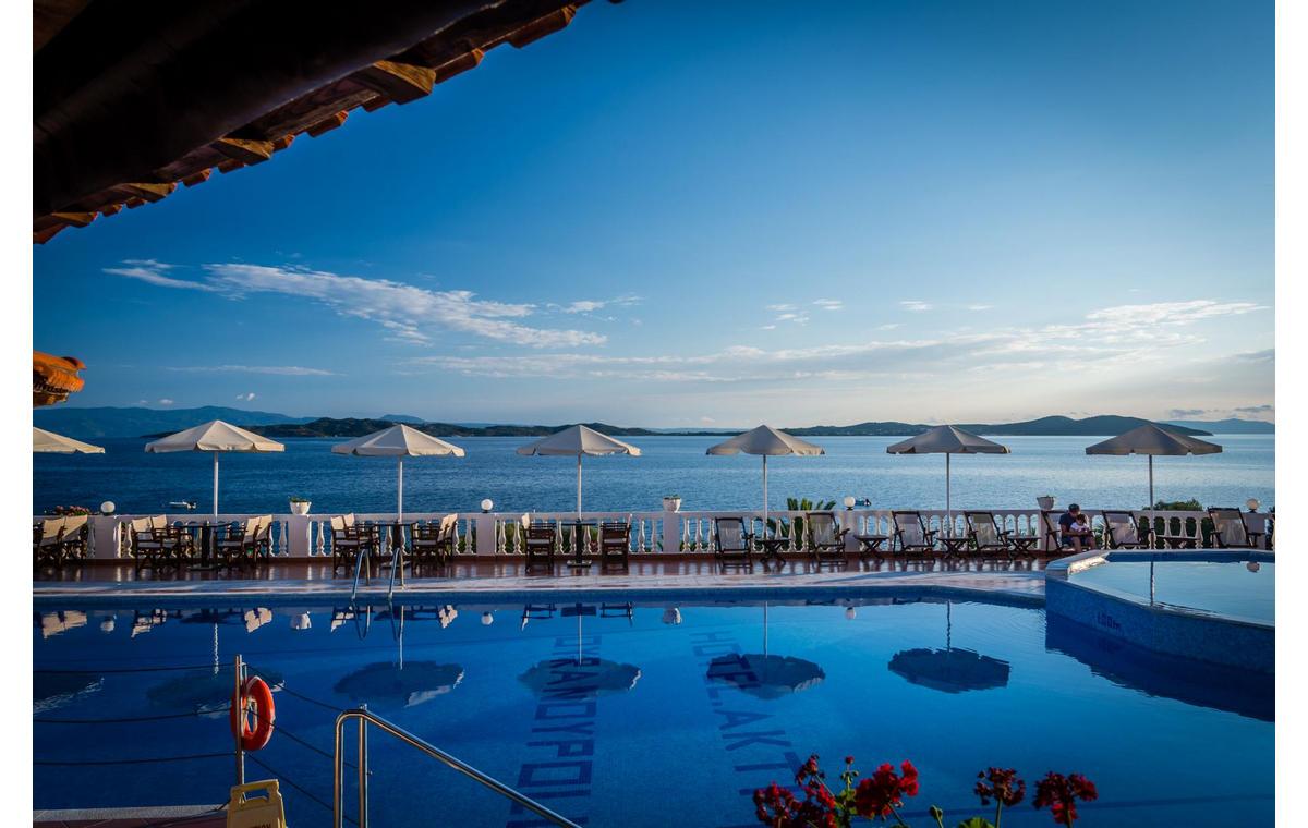 Letovanje_Hoteli_Grčka_Atos_Akti_Ouranouopoli_Barcino_Tours-5.jpg