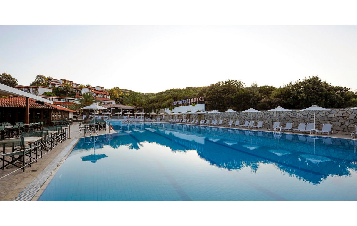Letovanje_Hoteli_Grčka_Atos_Aristoteles_Holiday_Resort_Barcino_Tours-14.jpg