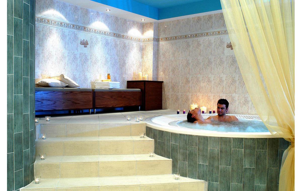 Letovanje_Hoteli_Grčka_Atos_Aristoteles_Holiday_Resort_Barcino_Tours-19.jpg