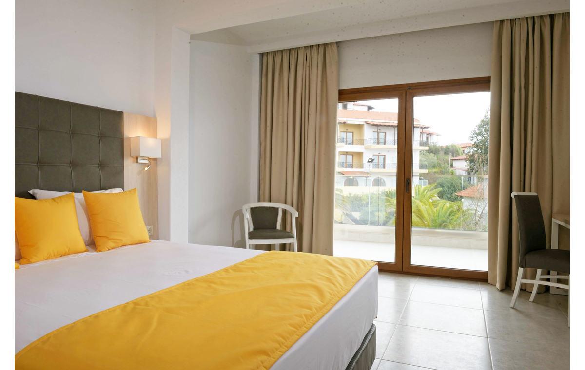 Letovanje_Hoteli_Grčka_Atos_Aristoteles_Holiday_Resort_Barcino_Tours-22.jpg