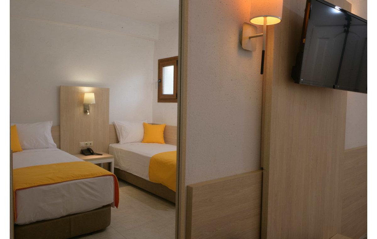 Letovanje_Hoteli_Grčka_Atos_Aristoteles_Holiday_Resort_Barcino_Tours-26.jpg