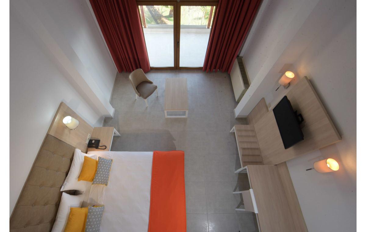 Letovanje_Hoteli_Grčka_Atos_Aristoteles_Holiday_Resort_Barcino_Tours-3.jpg
