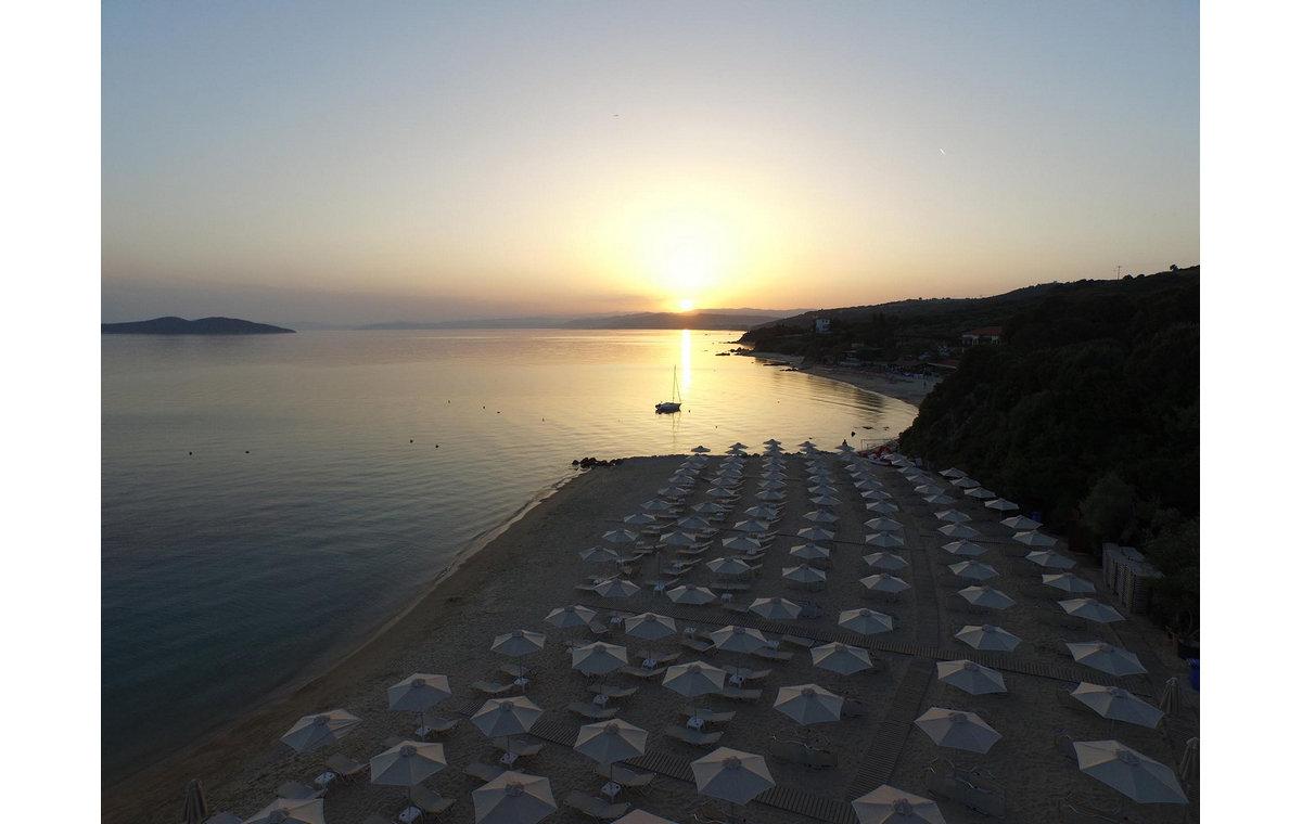 Letovanje_Hoteli_Grčka_Atos_Aristoteles_Holiday_Resort_Barcino_Tours-5.jpg