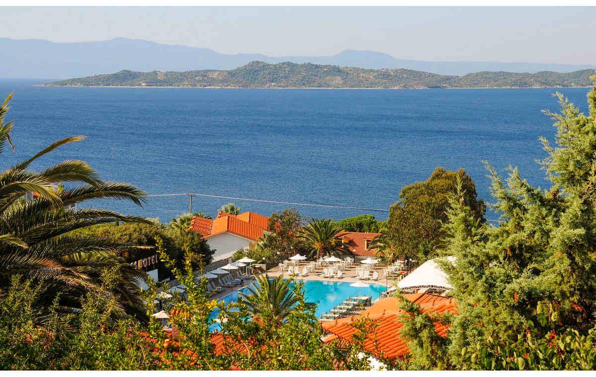 Letovanje_Hoteli_Grčka_Atos_Aristoteles_Holiday_Resort_Barcino_Tours-9.jpg