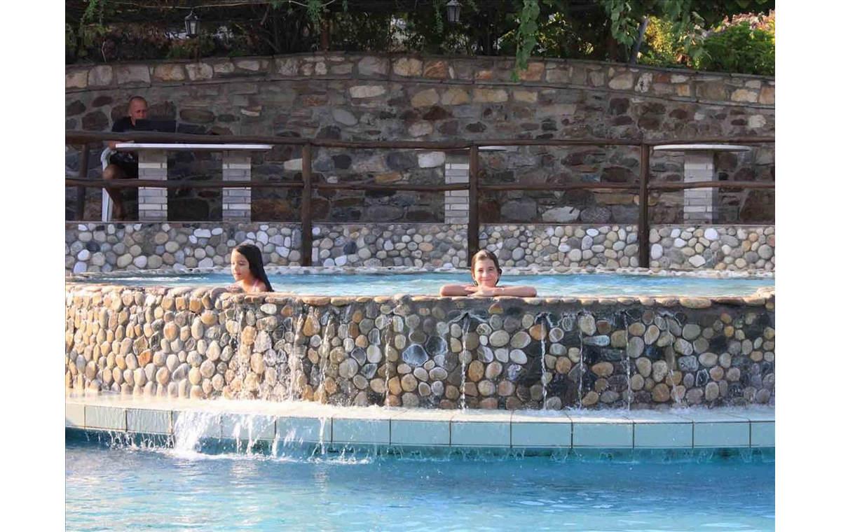 Letovanje_Hoteli_Grčka_Atos_Athorama_Barcino_Tours-11.jpg
