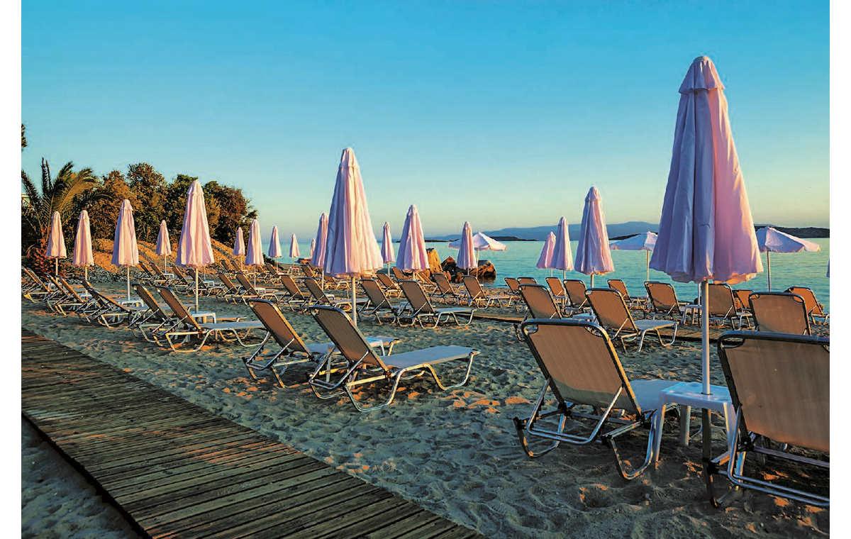 Letovanje_Hoteli_Grčka_Atos_Theoxenia_Barcino_Tours-6.jpg