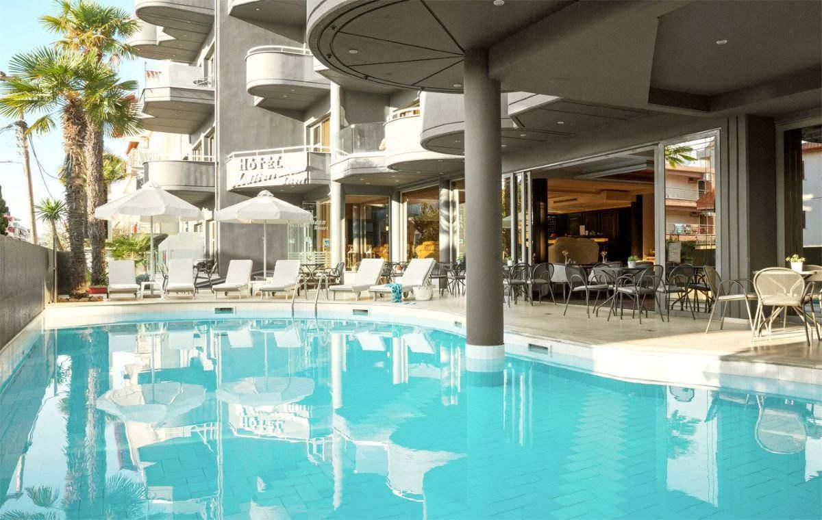 Letovanje_Hoteli_Grcka_Olimpska_Regija_Hotel_Mediterranean_Resort_Barcino_Tours-1.jpg