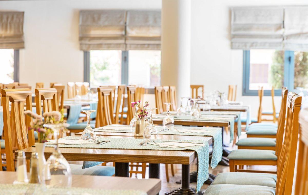 Letovanje_Hoteli_Grcka_Olimpska_Regija_Hotel_Mediterranean_Resort_Barcino_Tours-10.jpg